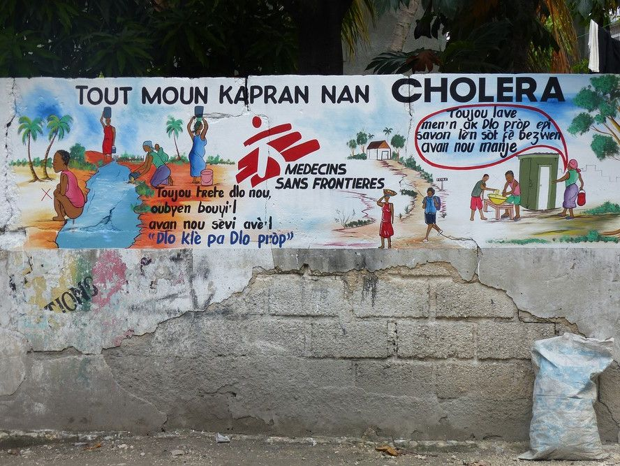 Cholera, natural disasters and urban growth