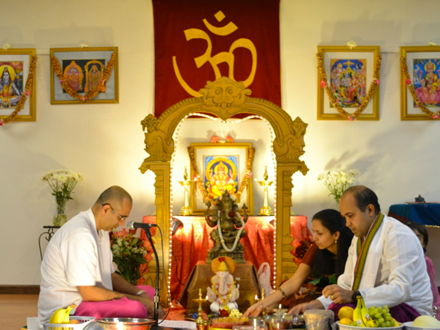 Hindu worship in the home and temple. Full lesson.