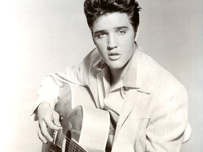 Sing and Play Hound Dog by Elvis Presley on the guitar