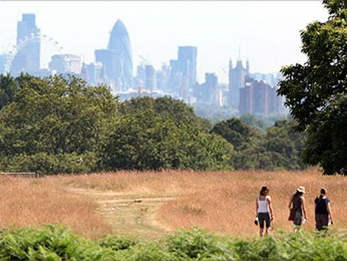 GCSE Geography Edexcel B New GCSE The UK's Evolving Human Landscape.