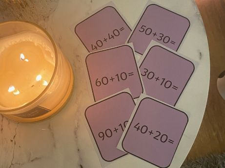 Number bonds to 100 cards