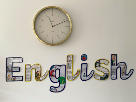 Illustrated English display lettering