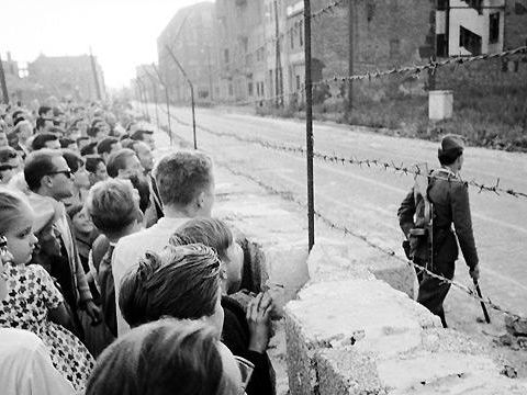 KS3 KS4 History lesson: Berlin Wall.
