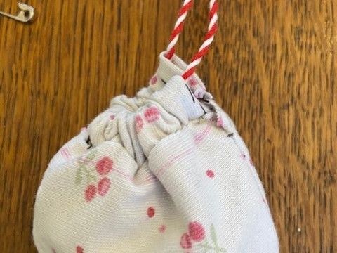 Design, Sew and Make an earbud holder