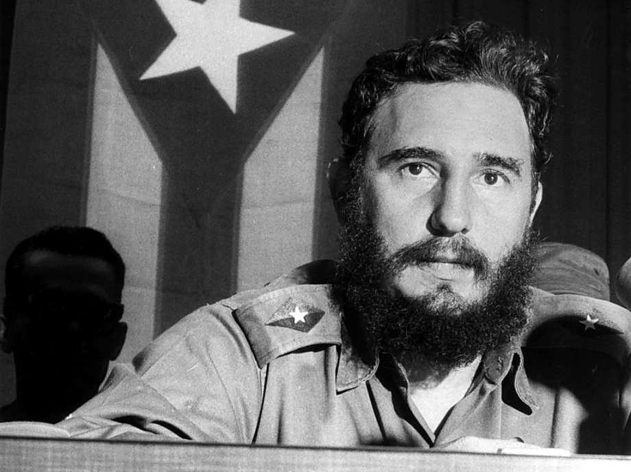 Dictadores latinoamericanos . Fidel Castro. 17 min of original adapted audio,transcript and exercise