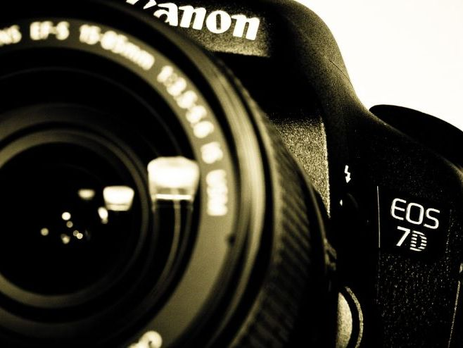 PHOTOGRAPHY ANALYSIS Bare facts for SEN/ EAL students GCSE