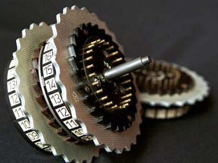 How to calculate the number of Enigma machine settings explaining combinations and permutations.