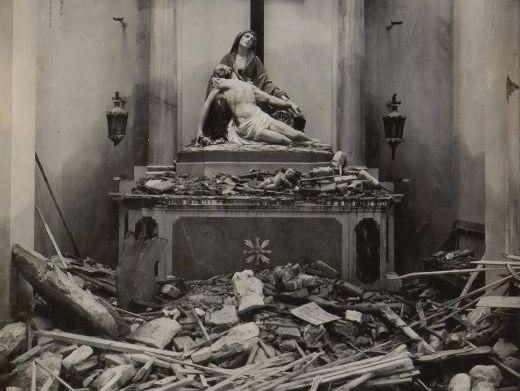 Carol Ann Duffy 'War Photographer' - Poem Analysis