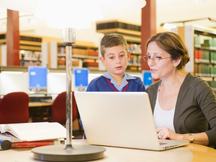 Teach ICT Capability in Primary Literacy