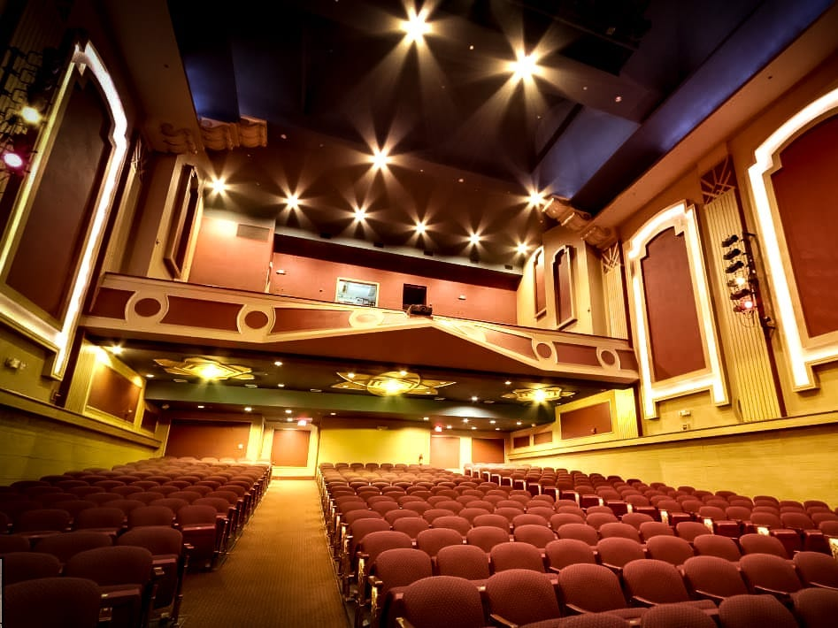 Strand Lighting Arena Theatre