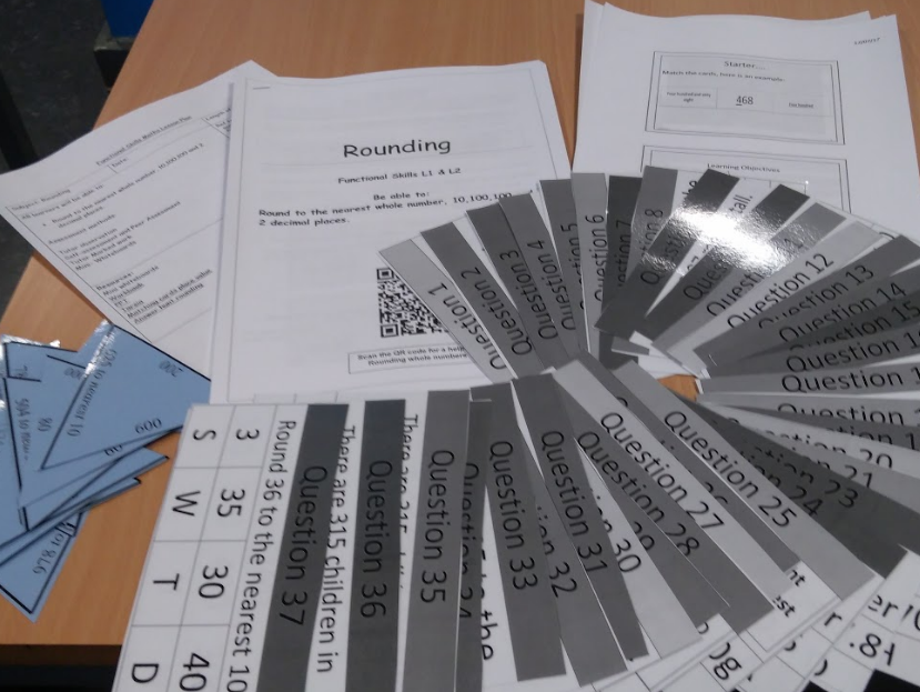 Functional skills maths level 1 and level 2 rounding lesson. Complete lesson with answers.