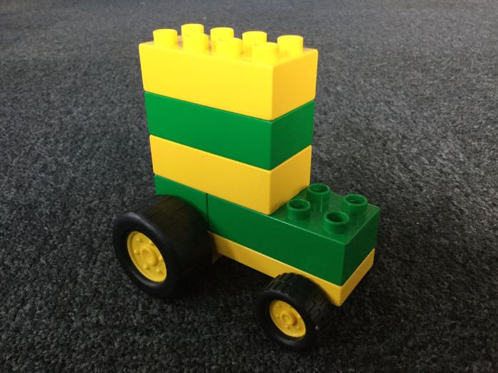 Lego Therapy_Duplo tractor