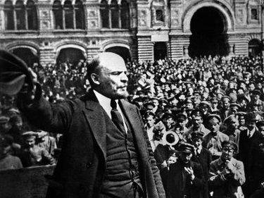 (CIEHistory9389) Was Lenin responsible for Bolshevik success in October 1917?