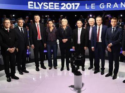 Participe a un débat comme un candidat aux élections présidentielles