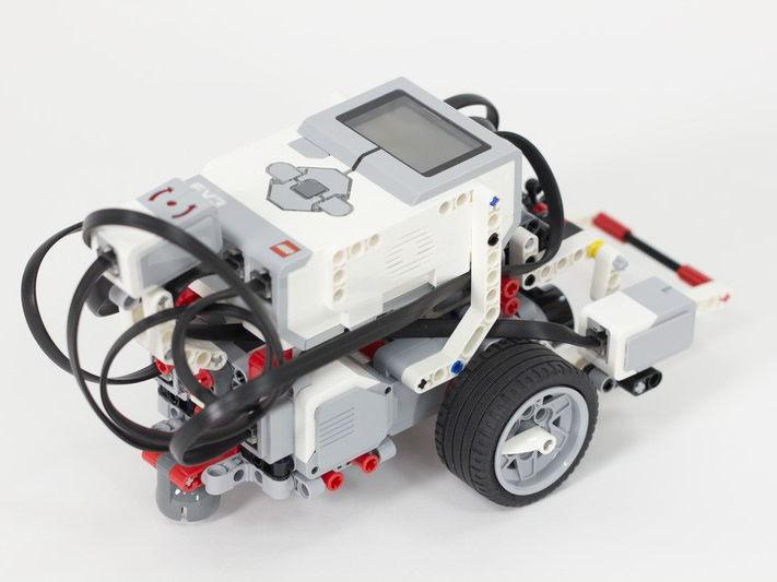 Robótica 2 con el programa LEGO MINDSTORMS EDUCATION EV3 (in Spanish)