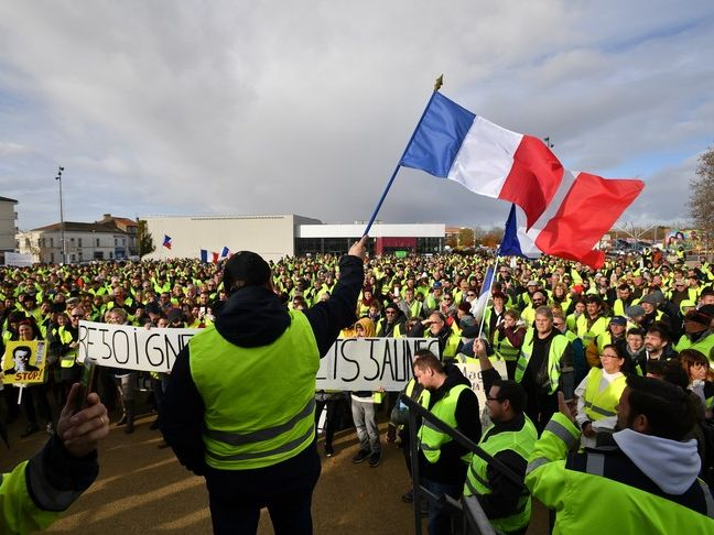 Les Gilets Jaunes - Reading Comprehension  and Speaking