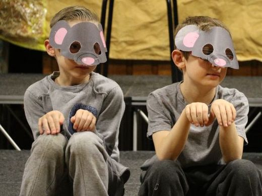 The Baby in the Barn - a KS2 Nativity playscript