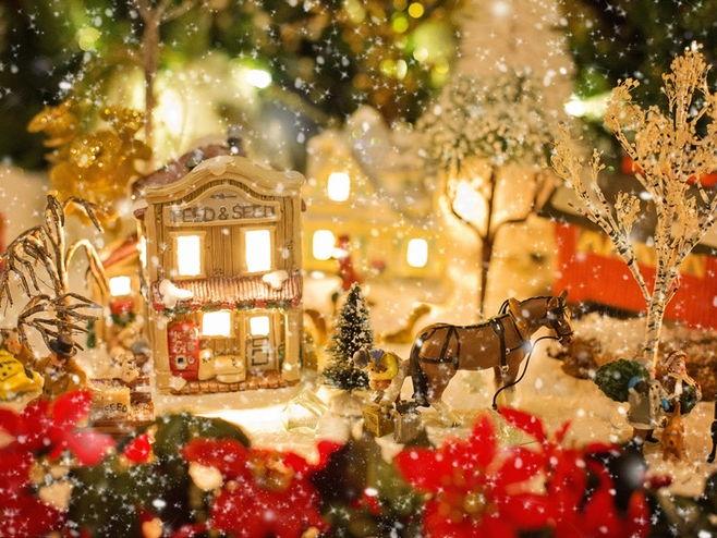 Class Debate: Christmas is coming...