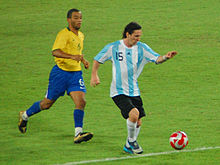 Messi and Shakira, Sports and Music; 4 short and easy thematic units - Beginners 1