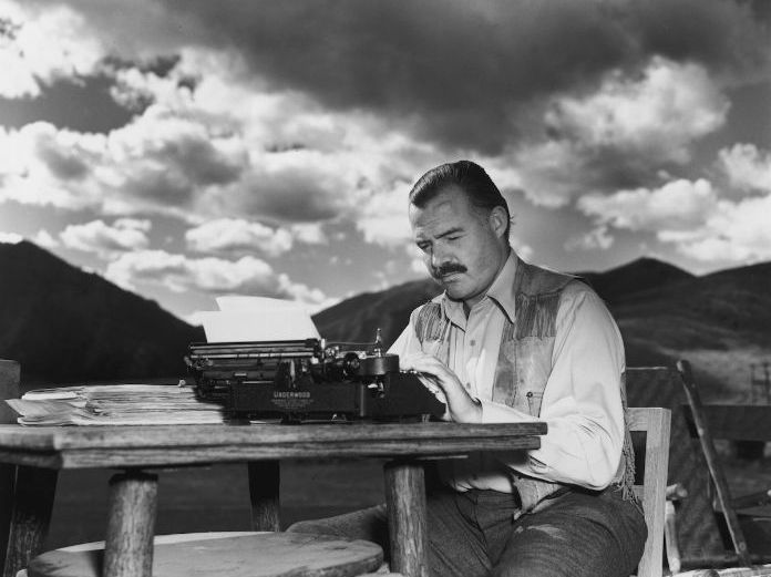 "Hemingway Short Stories: ""A Clean, Well-Lighted Place"" and Modernist Minimalism"