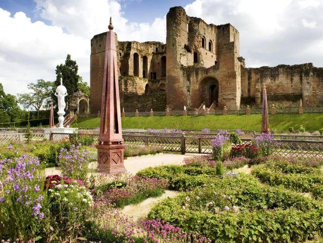 Dudley's Pleasure Gardens: Kenilworth Castle