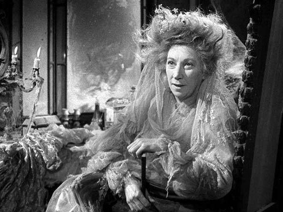 Carol Anne Duffy: 'Havisham'  full presentation lesson on poem