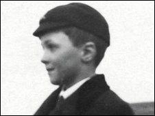 Roald Dahl: 'Boy' autobiography: handy classroom questions plus background web and film li