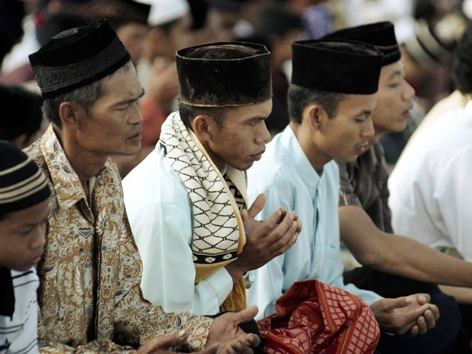 The Islamisation of South and Southeast Asia: the Eastward Diffusion of Islam into Asia.