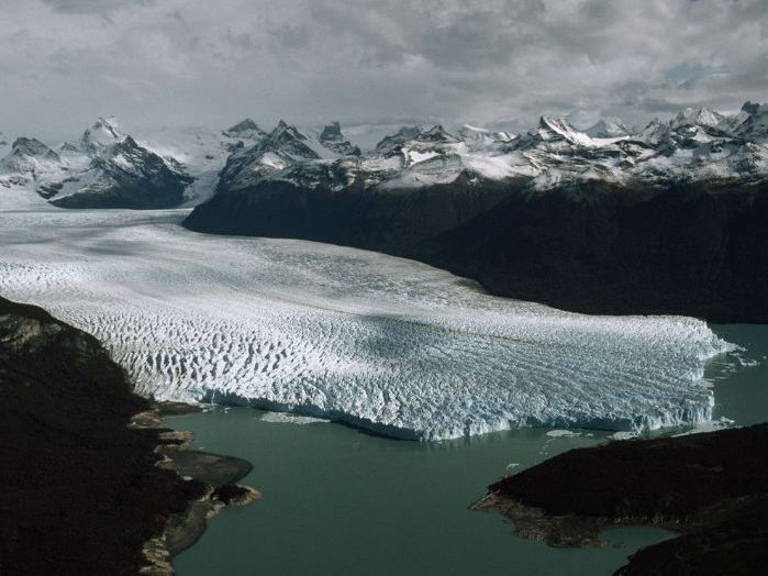 AQA GCSE Geography - Glacial Landscapes in the UK - Student Revision / teachers Powerpoint