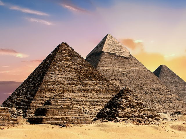 Task to get great writing - Egypt holiday tour - examples, planners, images and scaffolds