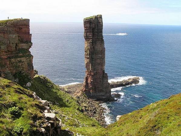 Erosion landforms, Features of hard coastlines (Stacks, Headland & bays, wave cut platforms)