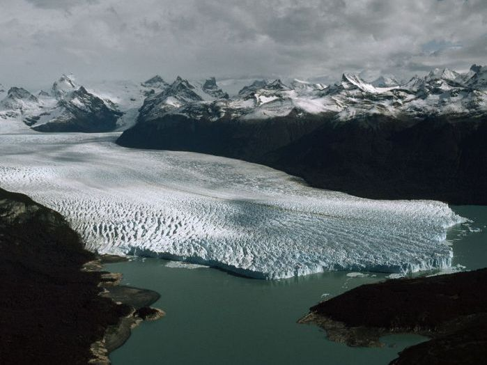 Outstanding Lesson: Glaciers, Glacial Processes & Glaciated landscapes (TES Pick)