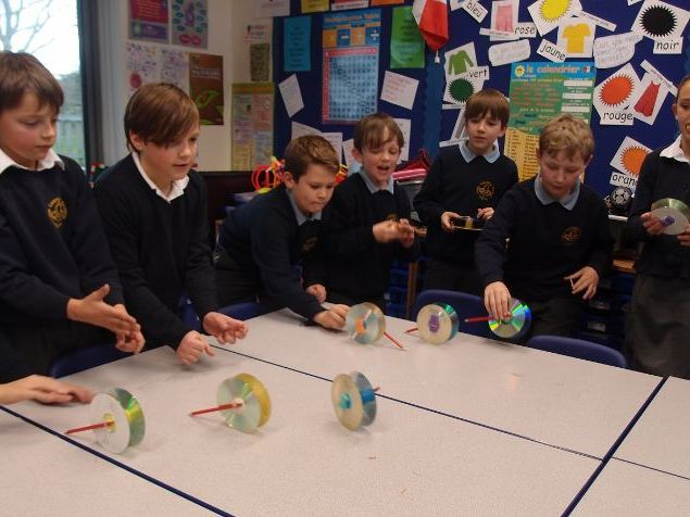 Make & Test a CD racer - Forces & Materials KS2 STEM