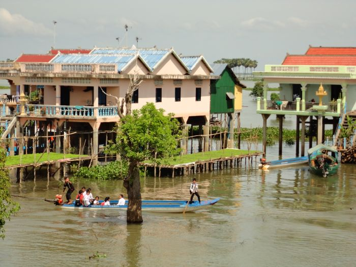 THE TONLE SAP LAKE AND RIVER OF CAMBODIA -AN INLAND WATER STUDY