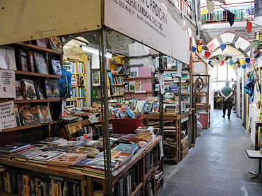 'In Cardigan Market' by Brian Morris - 'Auntie Jane Fish' - GCSE English Literature NEA