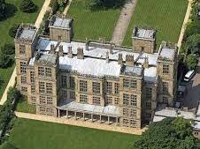 Was Hardwick Hall a typical Elizabethan Manor House?
