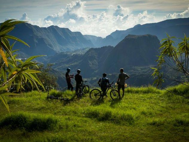 Focus : Ile de la Réunion - Reading and Writing / Speaking